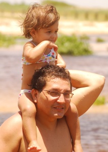 Marina, olhando o futuro. Eu, de pai, dando o suporte.