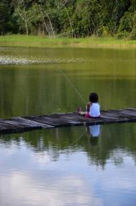 Marina pescando